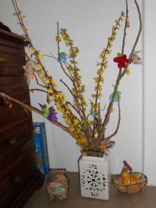 L'arbre de Pâques et les autres traditions dans Pâques dscn0125-225x300