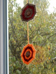 La toile d'araignée (tissage d'automne avec des marrons) dans Activités diverses dscn0715-e1381496467977-225x300